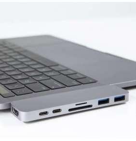 Hyper USB-C Hub with Thunderbolt 3 - Silver